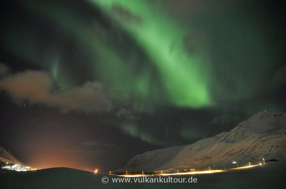 Polarlichter über dem Siglufjörður
