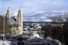 Akureyrarkirkja über Akureyri
