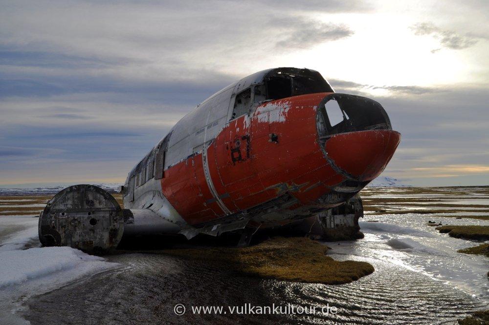 Flugzeugwrack bei Þorshöfn: Dornier R4-D6 der US Navy (1969)