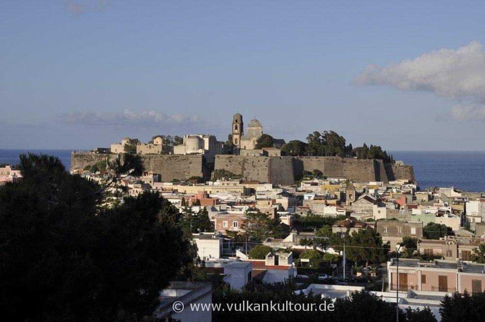 Lipari Altstadt und Castello