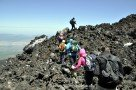 Wir klettern über den Lavastrom vom 18.5.2016