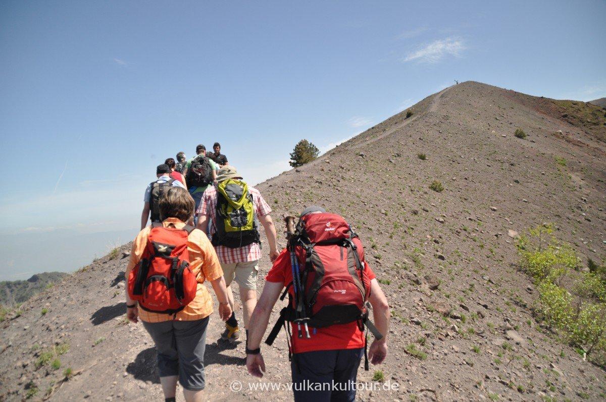 Vesuv - Kraterumrundung