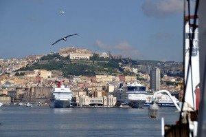 Ankunft in Neapel mit dem Schiff von den Liparischen Inseln