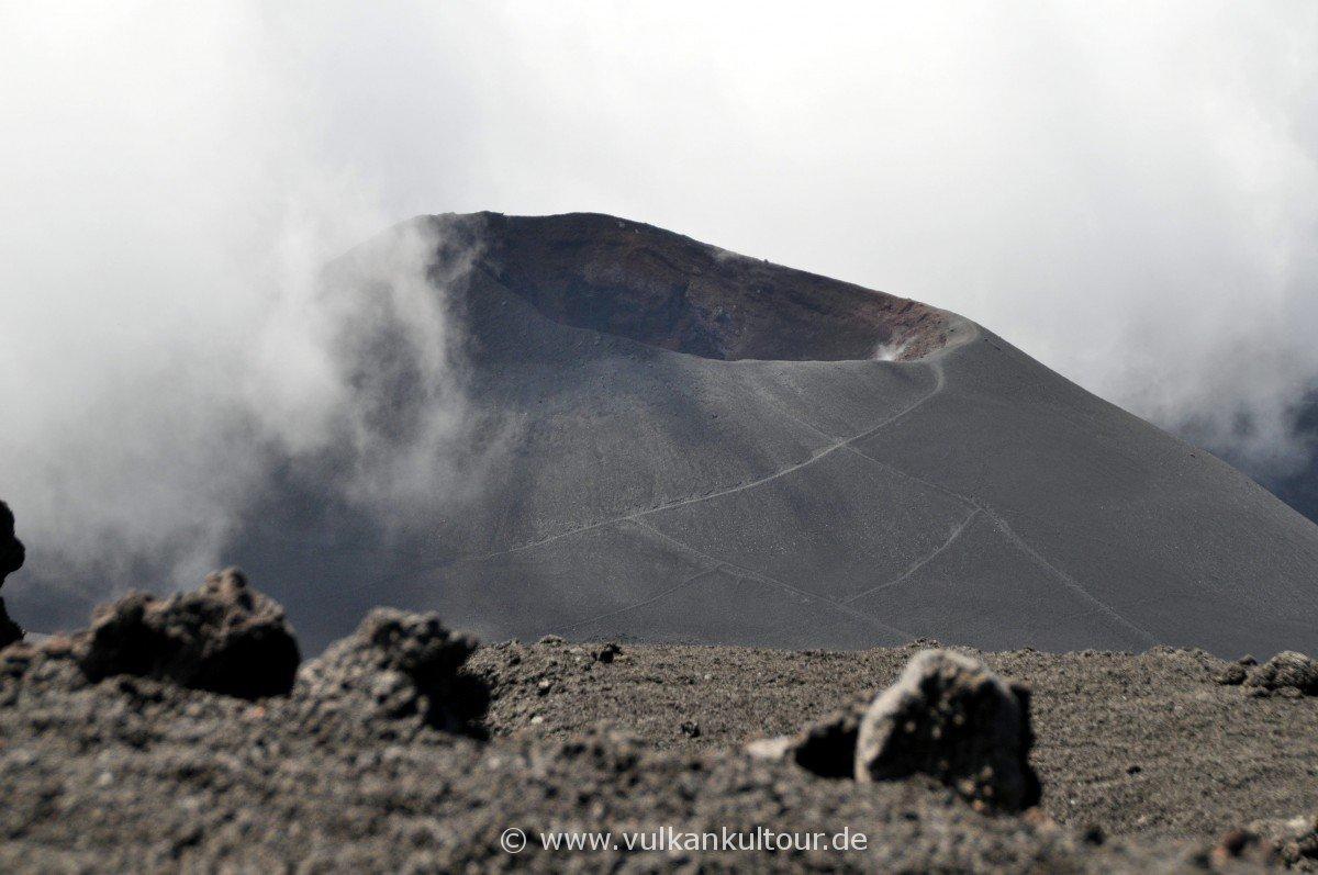 Cratere del Laghetto (Eruption 2001)