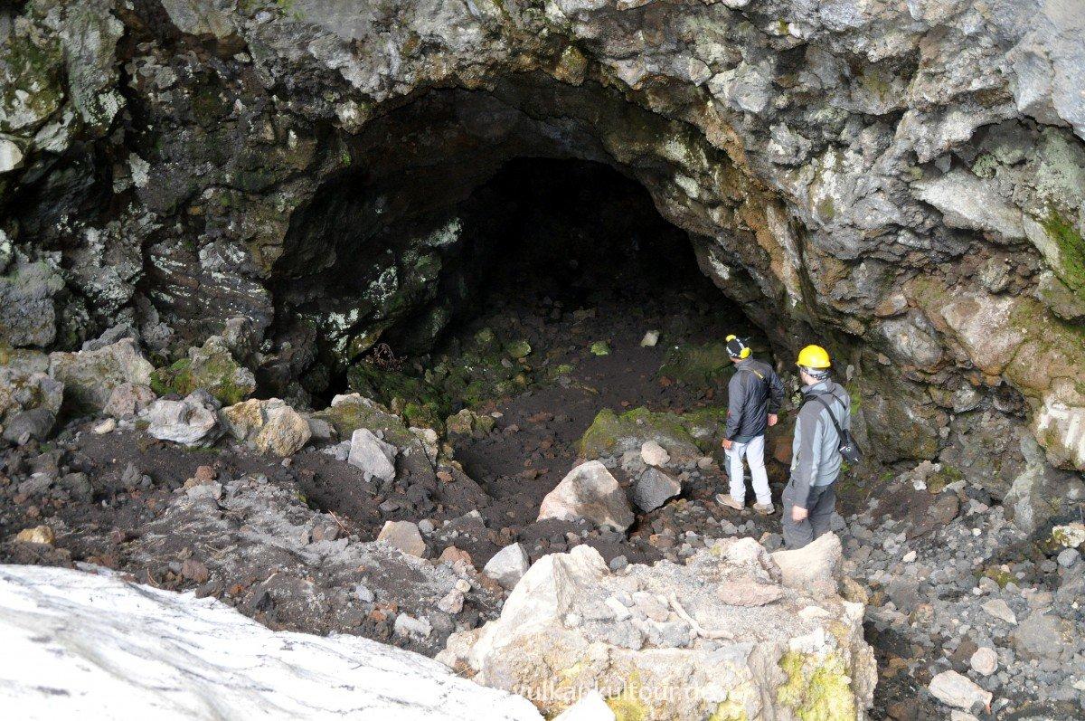 Einstieg in die Grotta del Gelo
