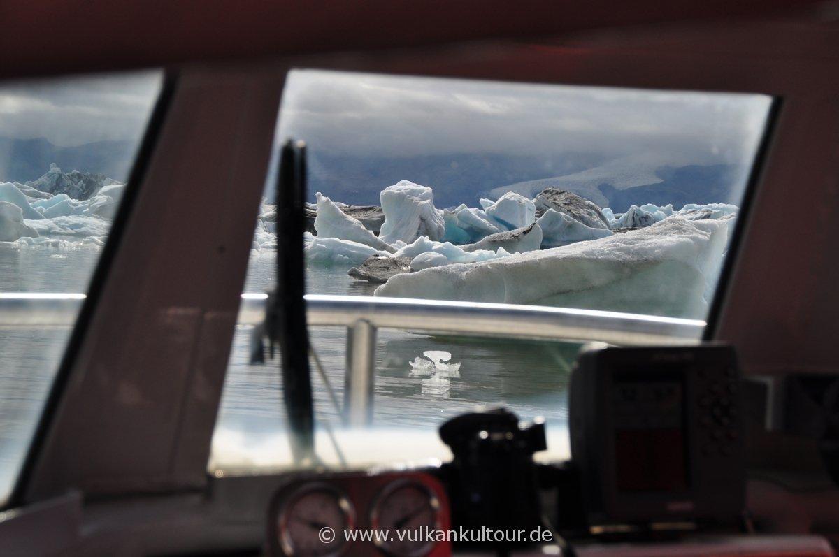 Mit dem Boot über die Gletscherlagune Jökulsárlón