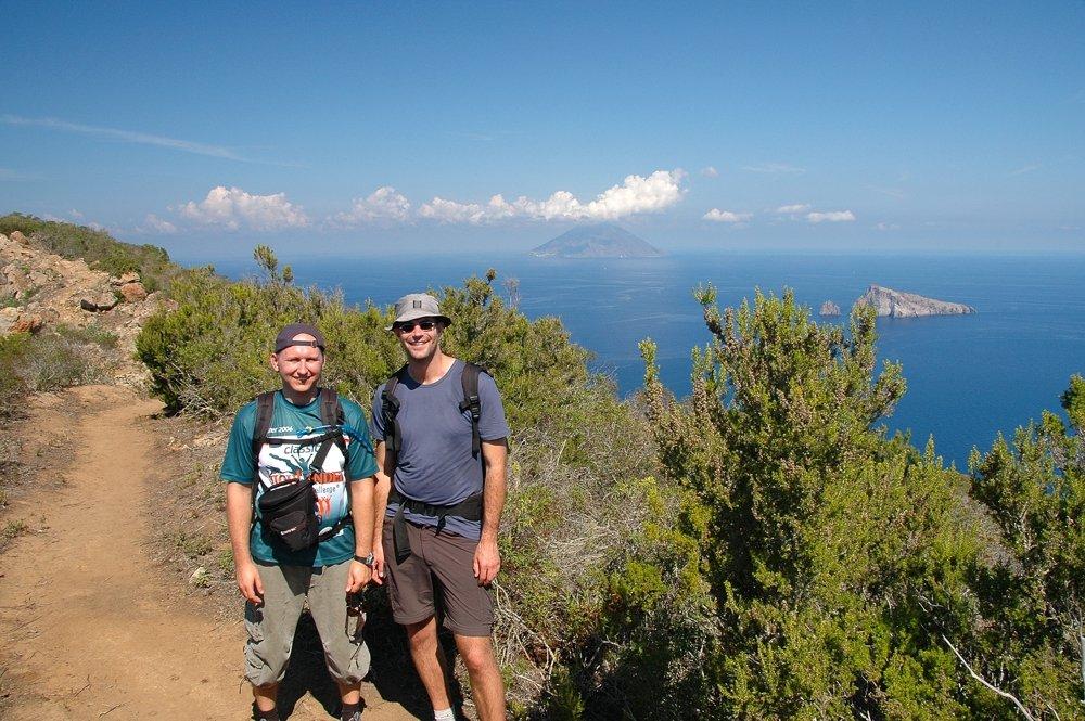 Panarea - Sergiy und Florian auf dem Punta del Corvo (© Sergiy Bondarenko)