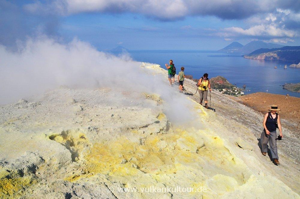 Vulcano Kraterumrundung
