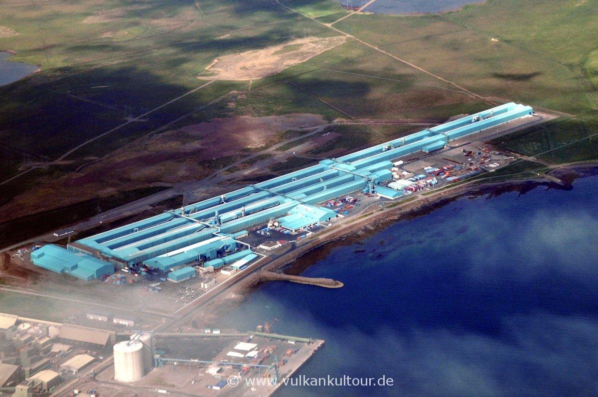 Aluminiumhütte am Hvalfjörður