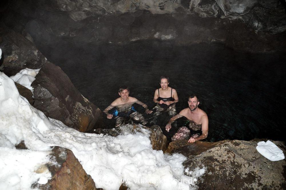 Geothermal geheizter See in der Grjotagjá