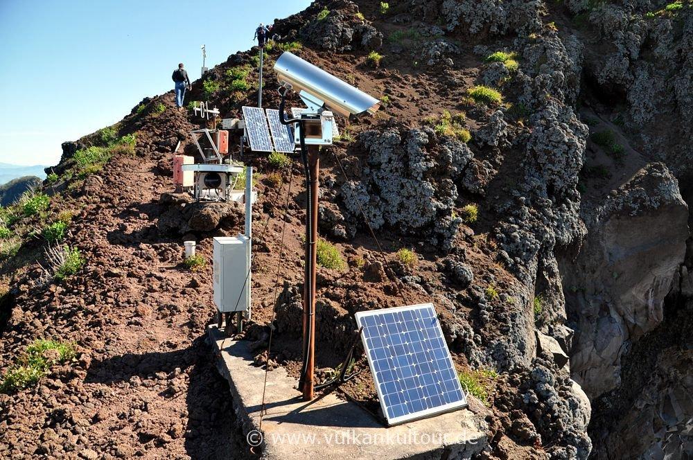 Geowissenschaftliche Instrumente auf dem Vesuv
