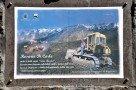 Ätna Eruption 1991-93 - Gedenktafel für den Helden von Zafferana, Rosario di Carlo (durch sein Engagement wurde der Ort vor der Zerstörung bewart)