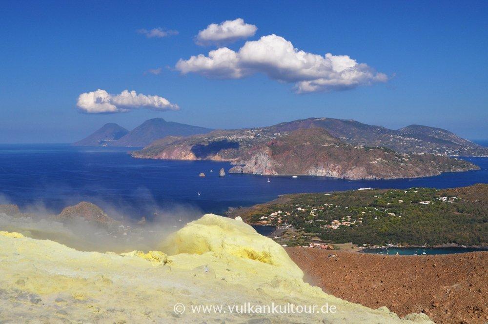 Vulcano Gran Cratere - Blick nach Lipari & Salina
