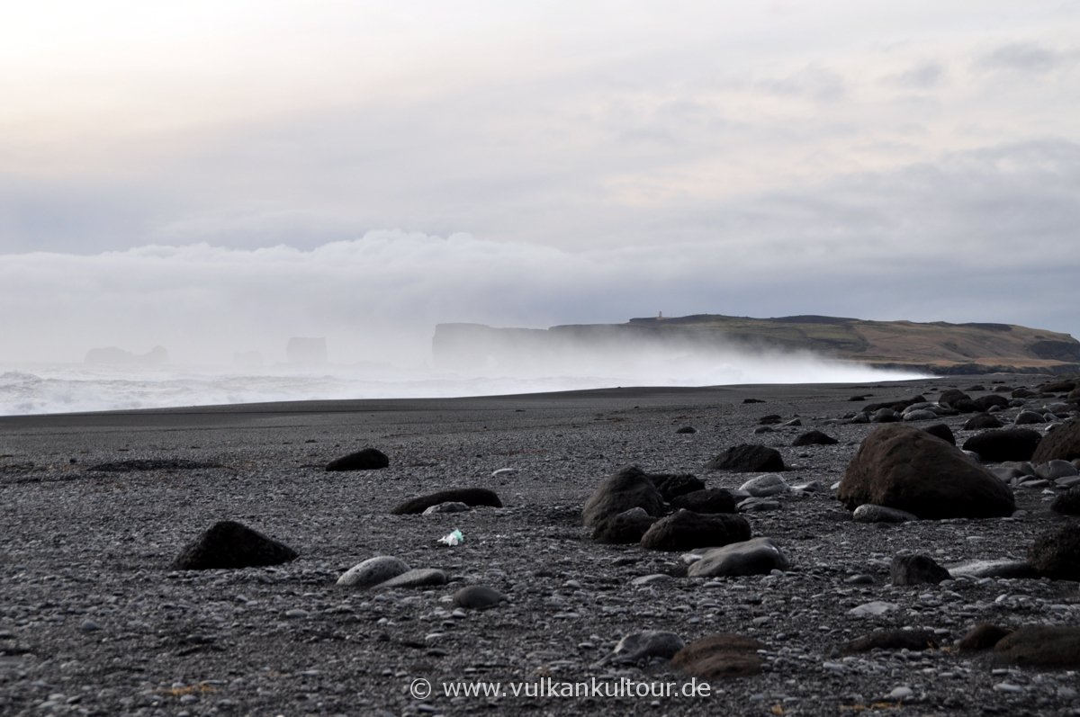 Reynisfjara, der große Strand an der Südspitze Islands