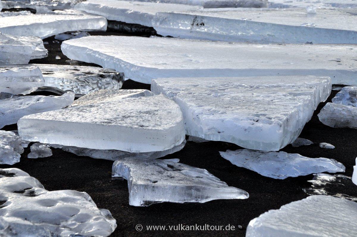 Eisschollen an der Mündung der Ölfusá