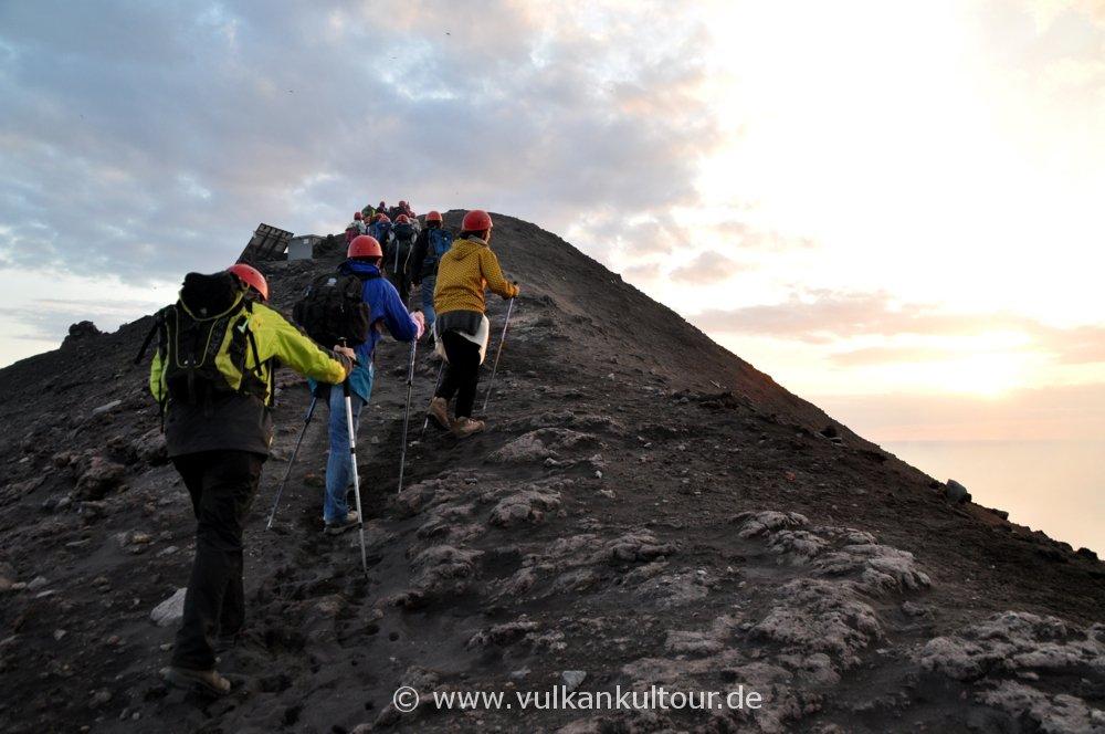 Stromboli - letzter Anstieg zum Gipfel
