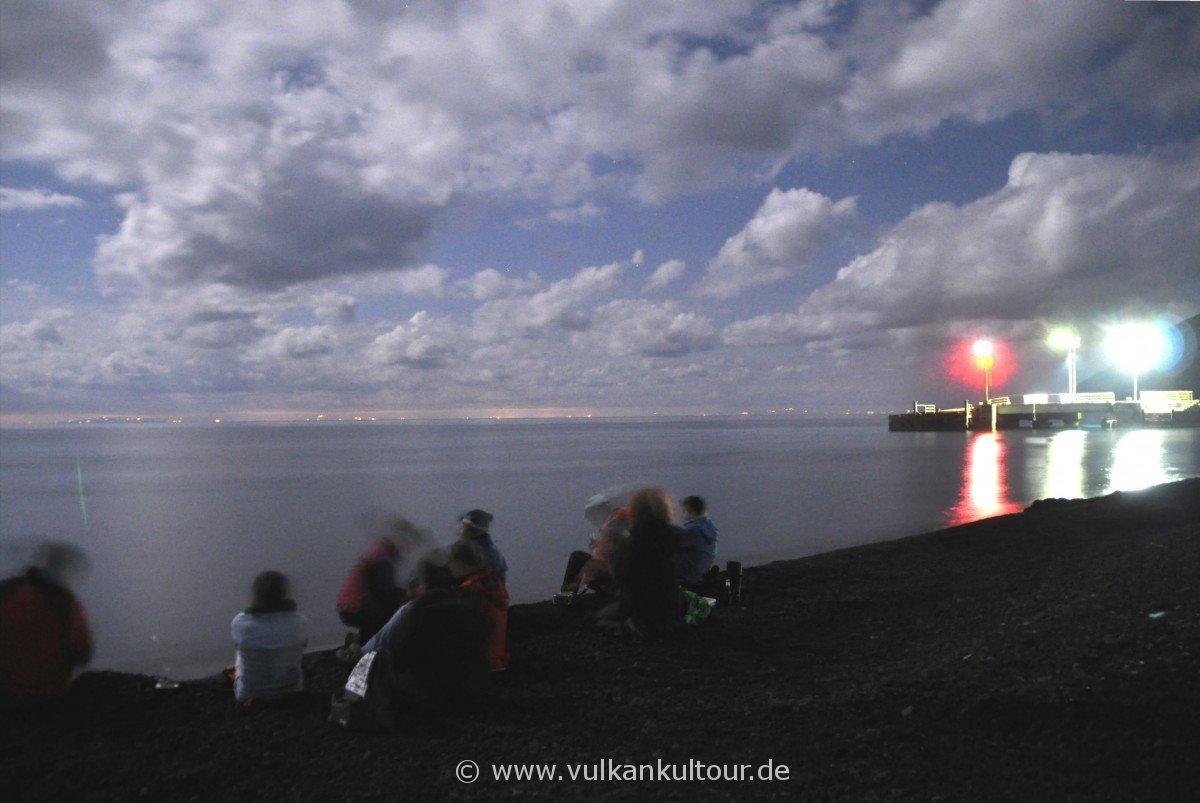 Jahreswechsel am Strand von Scari - in der Ferne die sizilianische Küste