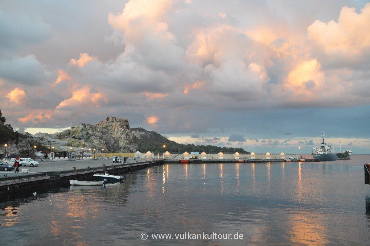 Porto Levante - Einsamer Hafen von Vulcano Anfang Januar