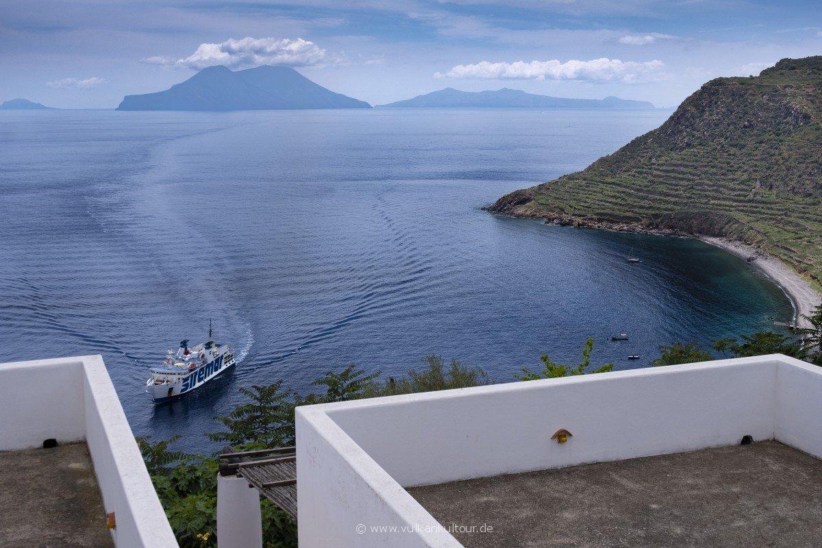 Hotel La Canna - Blick auf Salina und Lipari