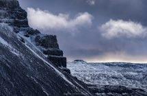 Über winterliche Bergpässe geht's weiter nach Süden