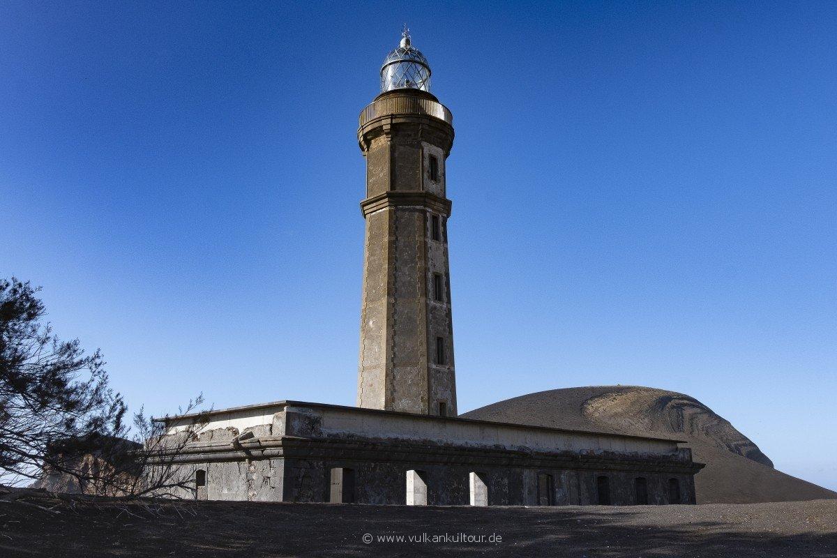 Der Leuchtturm von Capelinhos