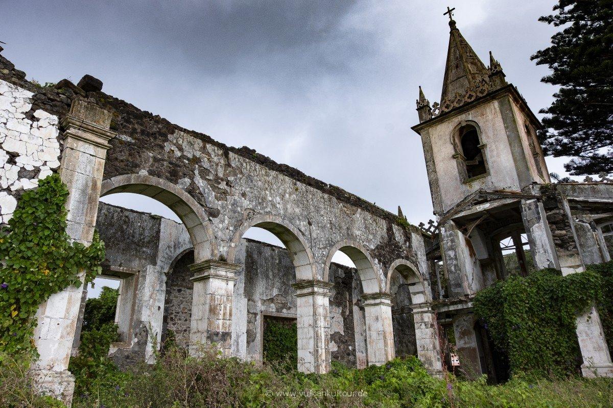 Kirchenruine von Ribeirinha