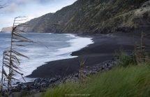 Der schwarze Strand von Praja do Norte