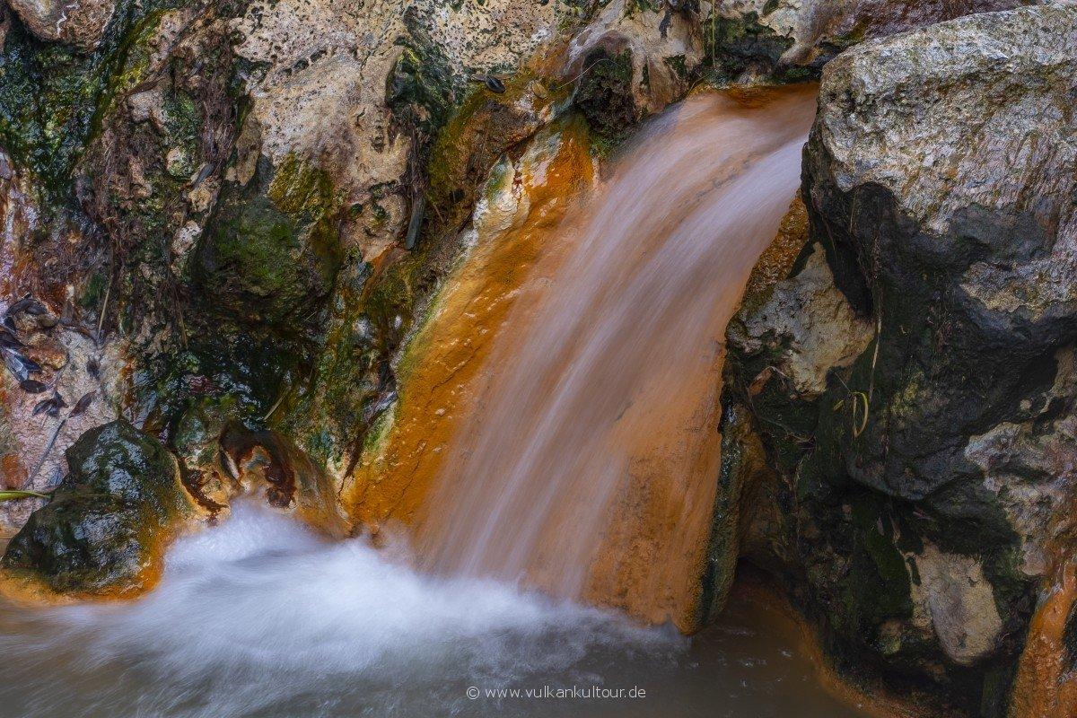 Eisenoxidgesättigtes Thermalwasser (Furnas)