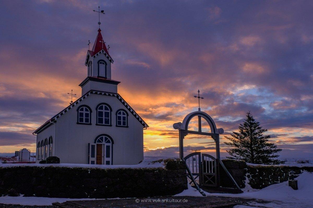 Kleines isländisches Landkirchlein