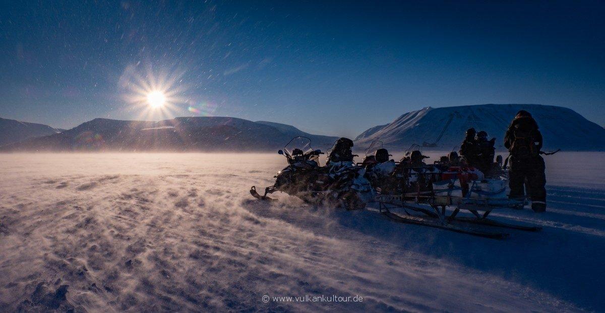 Eiskalter Morgen im Adventdalen
