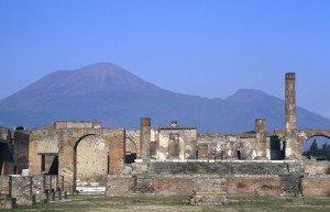 Forum von Pompeji im Schatten des Vesuvs