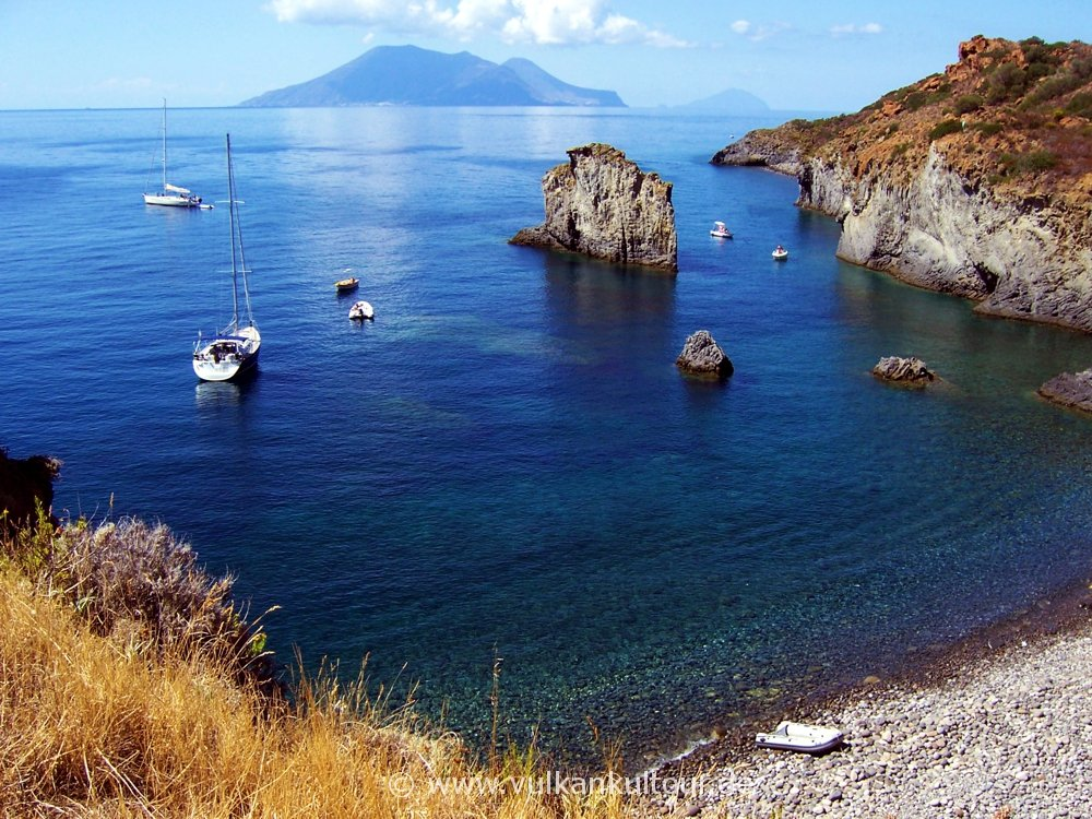 Schönster Strand des Archipels? Cala Junco auf Panarea