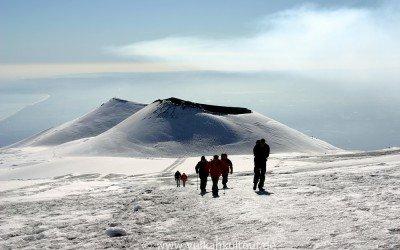 Winterwanderung am Ätna am Cratere Laghetto vorbei (Eruption 2001)