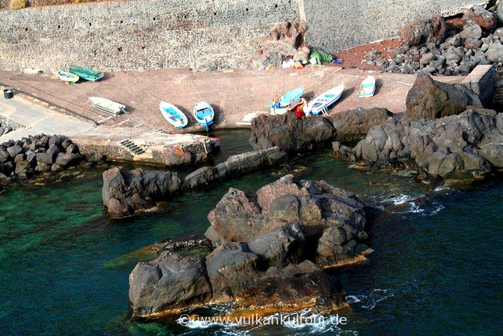 Hafen von Ginostra