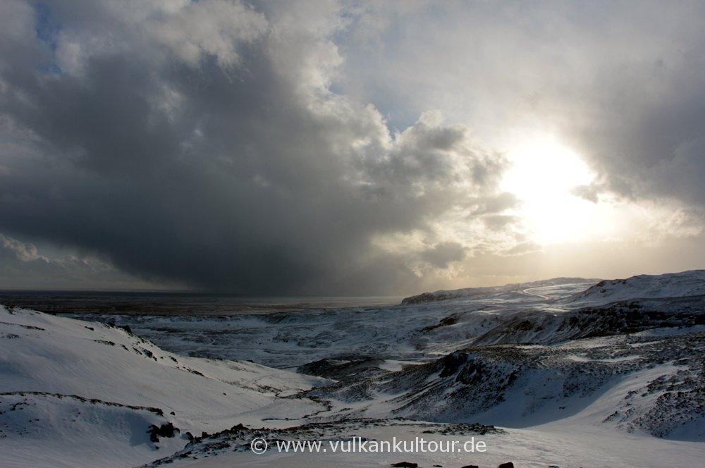 Winterwanderung durch Island - Wetterumschwung inklusive (© Falk Sischka)