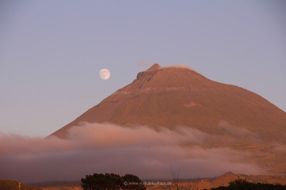 20160811 Azoren Pico mit Vollmond