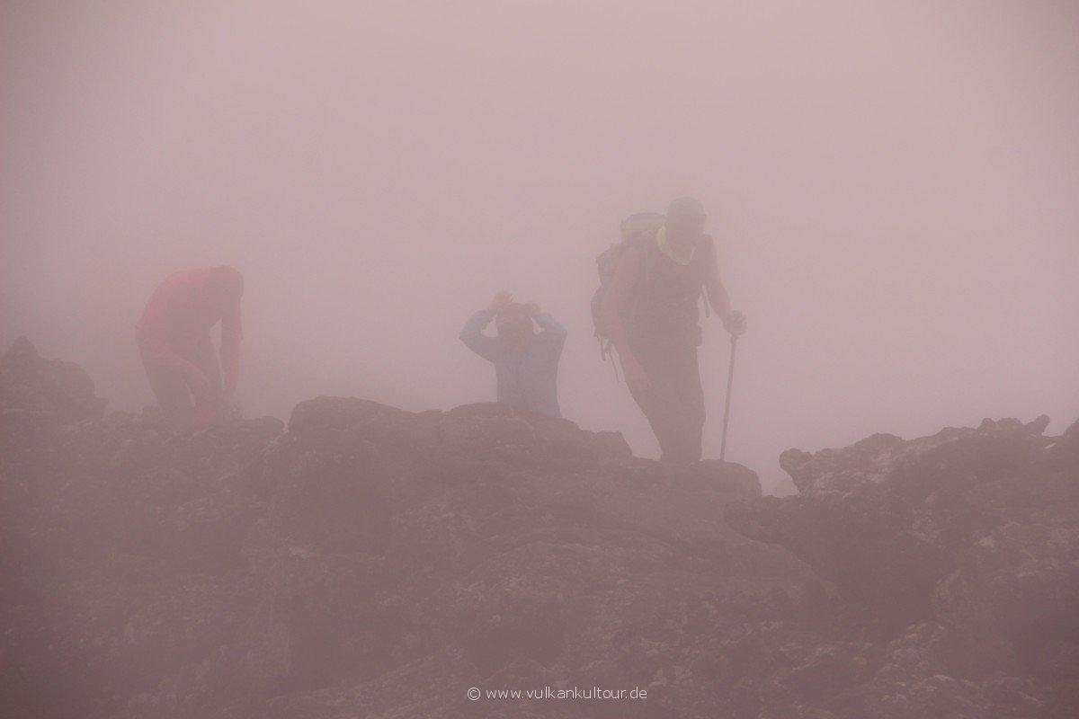 20160811 Azoren Pico Abstieg durch den Nebel