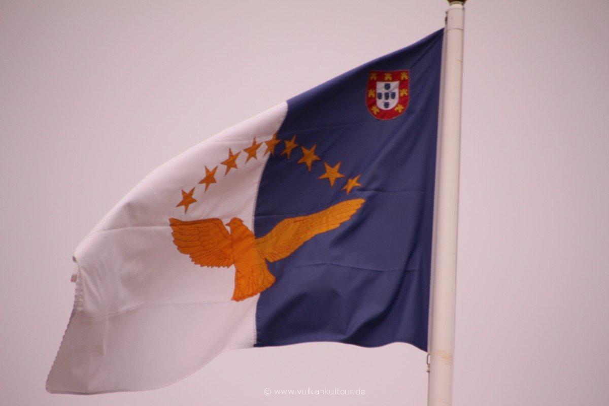 20160811 Azoren Flagge