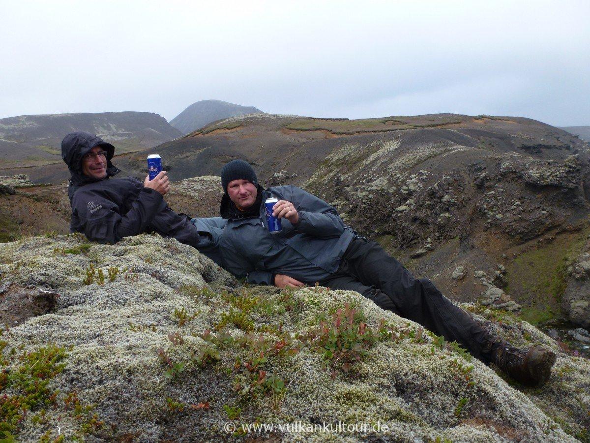 Martl und Flo auf einer Wanderung im Hengillgebiet