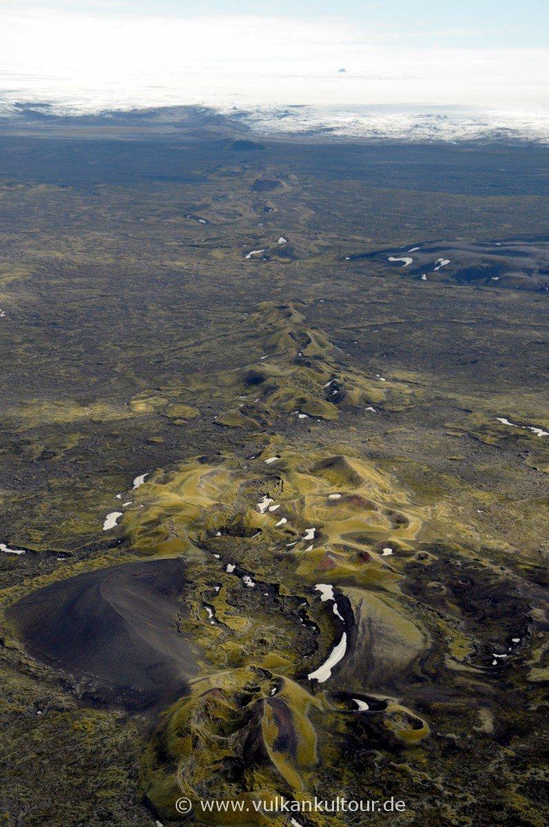 Überflug über die Laki Linearkraterreihe