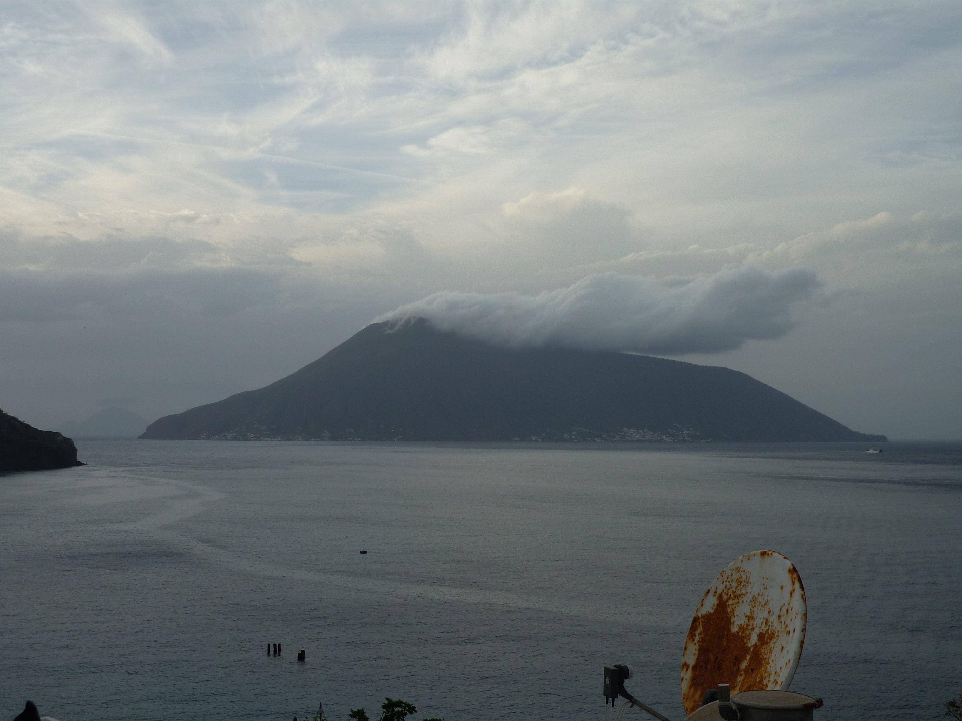 Lipari - Blick nach Salina mit Wetterumschwung