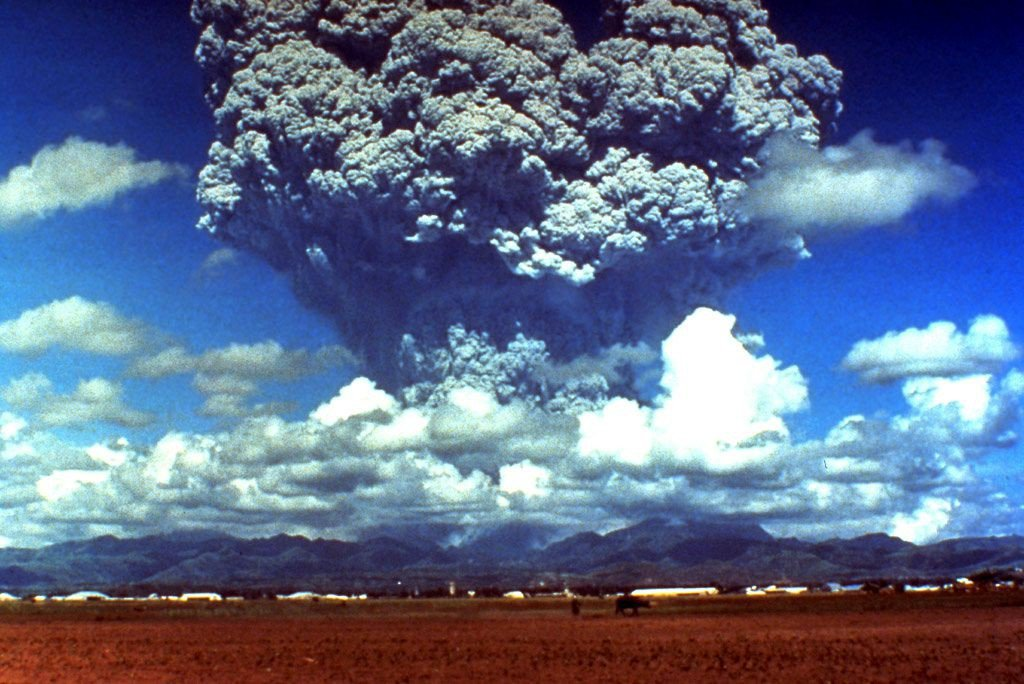 Plinianische Vulkanausbrüche - Eruption des Pinatubo 1991 (Bildquelle: Wikimedia Commons)