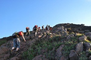 Stromboli - Aufstieg auf dem alten Weg (Punta Labronzo) - leichte Kletterstelle