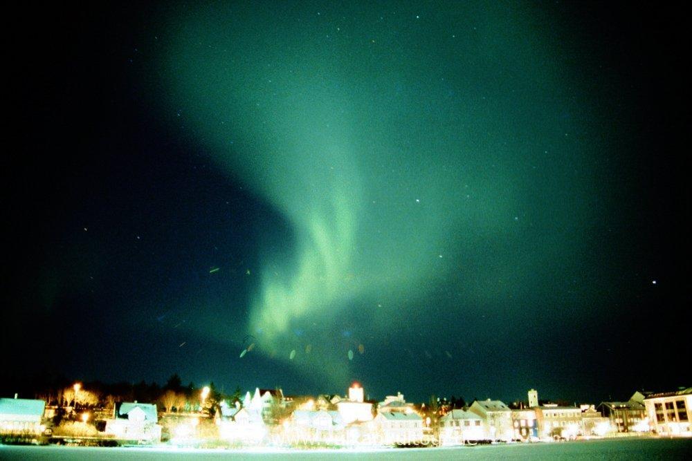 Meine ersten Polarlichter über Reykjavík (eingescanntes Dia)