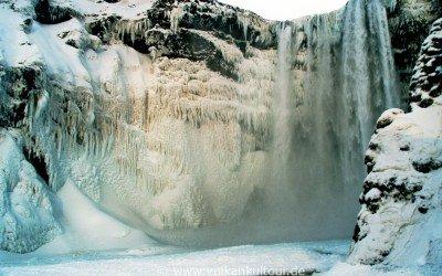 Skogafoss im Eis - nie wieder habe ich ihn so vereist erlebt (Februar 2008)