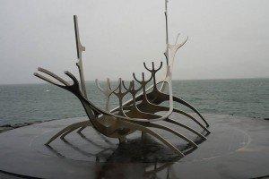 Sólfari - Skulptur eines Wikingerschiffes